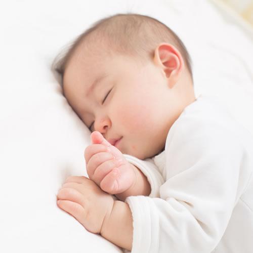 育児・出産休暇制度あり